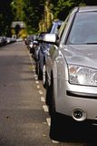 Reihe der Autos Stockfotografie