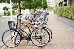 Reihe der Fahrräder Stockfotografie