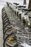 Reihe der Fahrräder Lizenzfreies Stockfoto