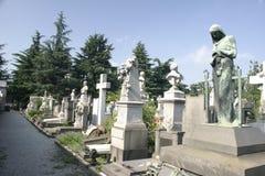 Reihe der Grabsteine in Mailand Stockbild