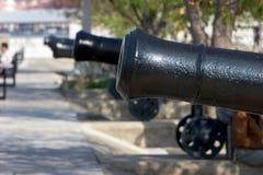 Reihe der historischen Kanonen in Gibraltar Lizenzfreies Stockbild