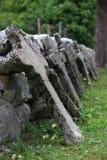 Reihe der Kreuze stockbilder