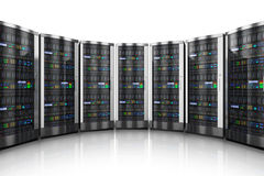 Reihe der Netzservers im Rechenzentrum Lizenzfreie Stockfotos