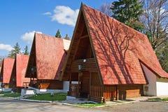 Reihe der rustikalen Kabinen Stockbilder