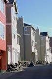 Reihe der Stadtwohnungen Stockfotos