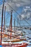 Reihe des hölzernen Bootes in Sardinien, Italien Stockfoto