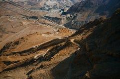 Reihe des Heiligen Landes - Masadas berühmter Schlangen-Weg Lizenzfreies Stockfoto