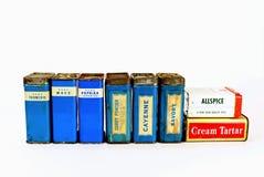 Reihe des Weinlese-Gewürz-Zinns Stockfoto
