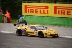 Reihe Ferrari 488 Blancpain GT, das in Monza läuft Lizenzfreies Stockbild