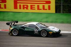 Reihe Ferrari 488 Blancpain GT, das in Monza läuft Lizenzfreie Stockfotos