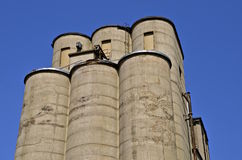 Reihe gegossene konkrete Getreidespeicher Lizenzfreies Stockfoto