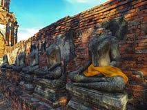 Reihe ruiniert Buddha Stockfoto