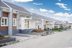 Reihe vom neuen Wohn stockbilder