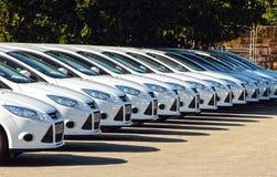 Reihe von Autos Stockfotografie