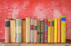 Reihe von Büchern Stockfotografie