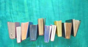 Reihe von Büchern, Lesung, Ausbildung, Literatur comceot Panorama, flache Lage lizenzfreie stockfotografie