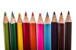 Reihe von Bleistiftfarben auf einem weißen backgroiund Stockfotografie