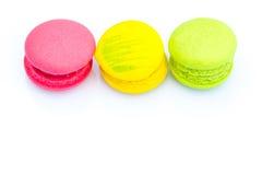 Reihe von bunten macarons Stockbilder