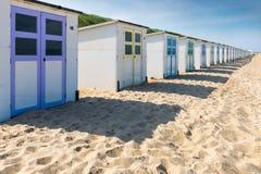 Reihe von colorfull Strandhäusern Stockfotos