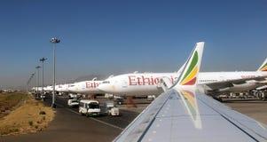 Reihe von Flugzeugen in Addis Ababa Stockfoto