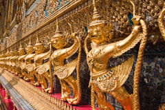 Reihe von Garuda der großartige Palast Lizenzfreies Stockbild