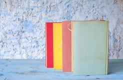 Reihe von mehrfarbigen Büchern Lizenzfreies Stockbild