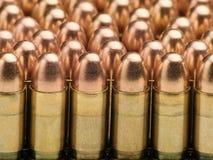 Reihen der Gewehrkugeln Stockfoto