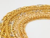 Reihen der Goldketten Lizenzfreie Stockfotos