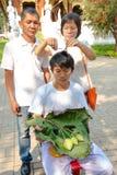 Reihen der Klassifikationszeremonie, die die thailändischen jungen Männer ändern Lizenzfreies Stockfoto