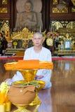 Reihen der Klassifikationszeremonie, die die thailändischen jungen Männer ändern Lizenzfreie Stockfotos