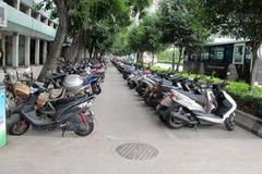 Reihen der Motorräder Stockfotografie