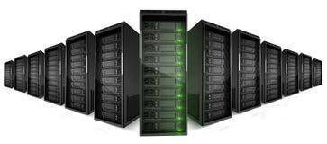 2 Reihen der Server mit grünen Lichtern an Stockbild