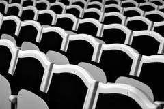 Reihen der Sitze Stockfotografie