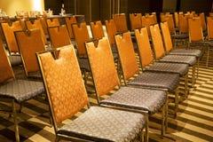 Reihen der Stühle stockbilder
