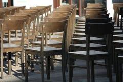 Reihen der Stühle Stockbild