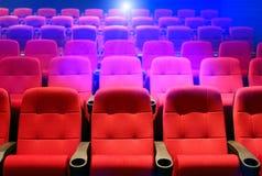 Reihen der Theatersitze lizenzfreie stockbilder