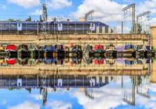 Reihen von Hausbooten Lizenzfreie Stockfotografie