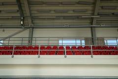 Reihen von leeren Sitzen Stockfotografie