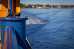 Reiling σε ένα πορθμείο: GN Στοκ εικόνες με δικαίωμα ελεύθερης χρήσης