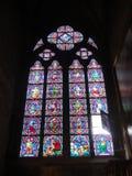 Reims, France - août 2011 : fenêtre en verre teinté de la cathédrale de Notre Dame où les rois de la France ont été couron photo libre de droits