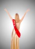Reina de belleza en la competencia contra la pendiente Fotografía de archivo