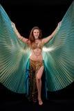 Reina de Bellydance con las alas de ISIS Imagenes de archivo