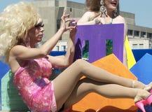Reina de la fricción en el desfile alegre del orgullo de Edmonton Imagen de archivo