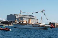 REINA MARGRETHE II Y PRÍNCIPE HENRIK _DANNEBORG SHIP Fotografía de archivo