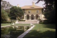 Reine Spekulation der großen Villa stock video footage