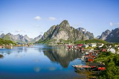 Reine sulle isole di Lofoten in Norvegia immagine stock libera da diritti