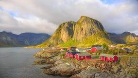 Reine visserijdorp in Lofoten-Eilanden, Noorwegen stock videobeelden