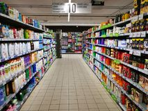 Reinigende Abteilung der persönlichen Hygiene in einem Einkaufszentrum Lizenzfreies Stockfoto