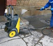 Reinigung einer Fassade Druckbehälter Lizenzfreie Stockbilder
