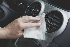 Reinigungsautoinnenraum mit Stoff Stockfoto